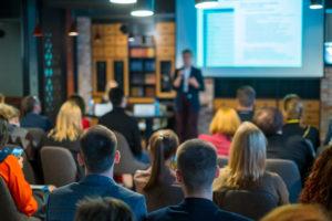 Pourquoi la vidéo est idéale pour les réunions & conférences ?
